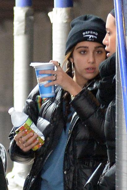 Lola, la hija de Madonna, con las manos llenas ¡Que le ayude su amiguita...