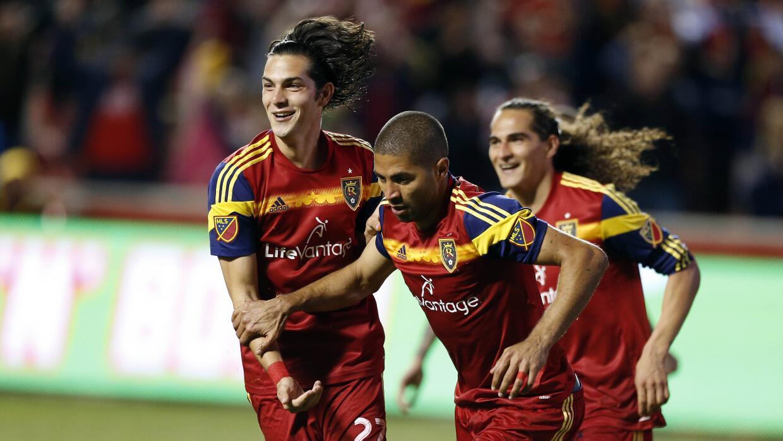 Álvaro Saborío celebra el segundo gol del partido