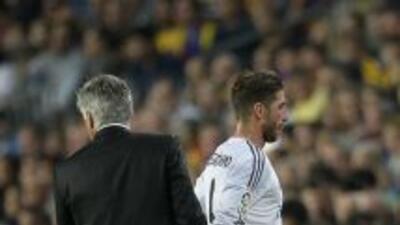 "Ancelotti puso a Sergio Ramos en el mediocampo para ""buscar balance"" seg..."