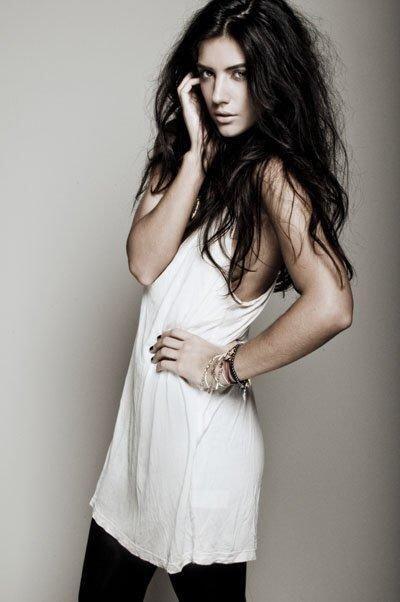 La bella modelo española, novia de Nasri, es conocida por ser una...