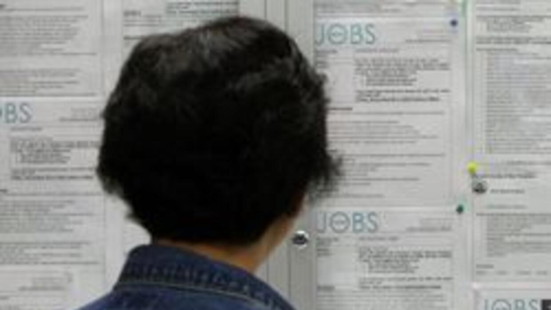 Desempleo en Los Angeles bajo ligeramente a 12.7 durante noviembre de 20...