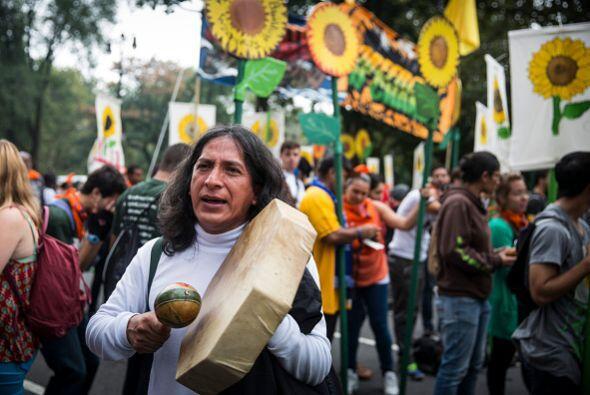 El colorido y el folclore acompañaron las manifestaciones.