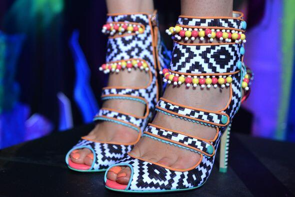 'Pop shoes'. La 'blogger' explica que ya pasó la época de los bolsos de...