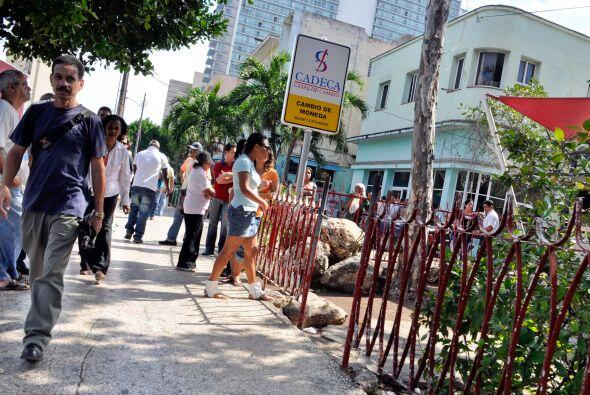 El VI Congreso del PCC ratificó este plan de reformas en un c&oac...