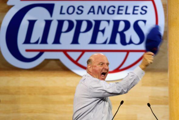 Steve Ballmer - Compró a Los Angeles Clippers por $2 mil millones el año...