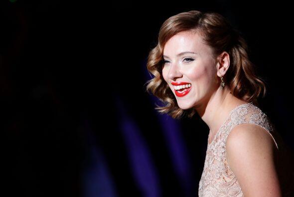 Guapísima lució la actriz Scarlett Johansson en Mil&aacute...