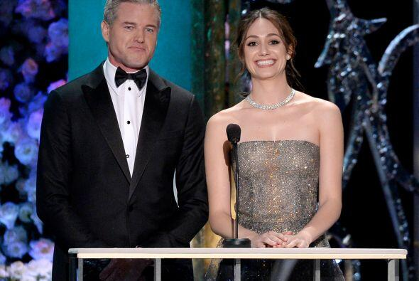 Eric Dane y Emmy Rossum, presentadores.