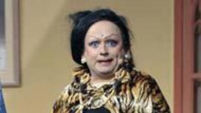 A pesar de recibir aplausos por presentar a Irma Serrano en arraigo domi...