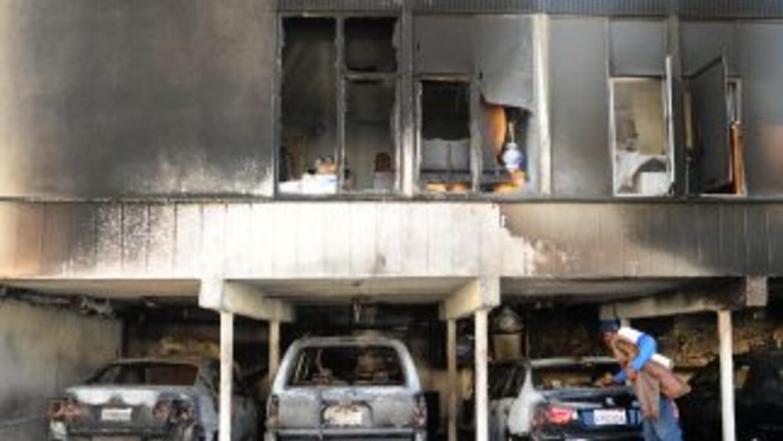 En los últimos días han aparecido decenas de autos quemados en Los Ángeles.