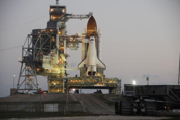 El transbordador espacial Endeavour está listo para su último viaje, el...