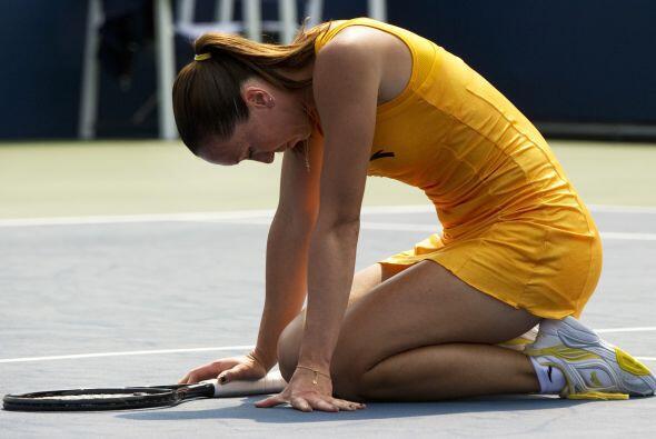 La número 11 del mundo, Jankovic, quedó en el piso y sin consuelo luego...
