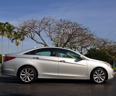 Hyundai SonataHyundai renovó al Sonata y lo hizo más sofisticado pero s...