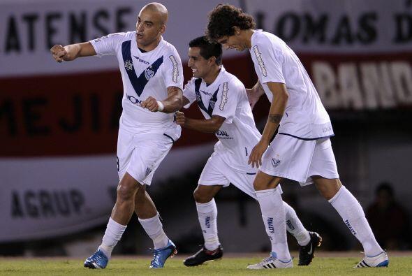 En tanto en encuentro del Grupo 4, Vélez y su banda derrotó 3-0 a caraca...