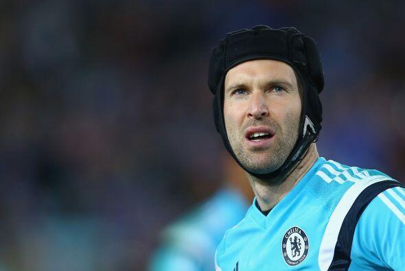 Petr Cech no seguirá más comiendo banda en el Chelsea de Inglaterra pero...