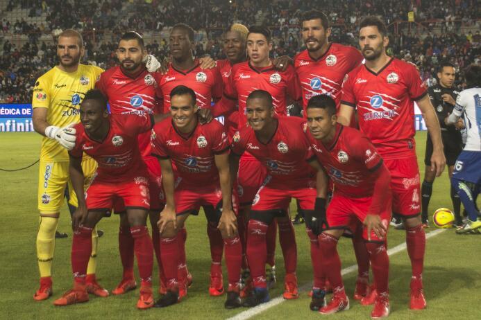 En fotos: Tuzos golea a Lobos y logra su primera victoria del Clausura 2...