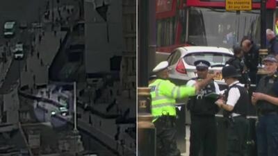 El video del impactante momento en que un auto arrolla varias personas y se estrella frente al parlamento británico