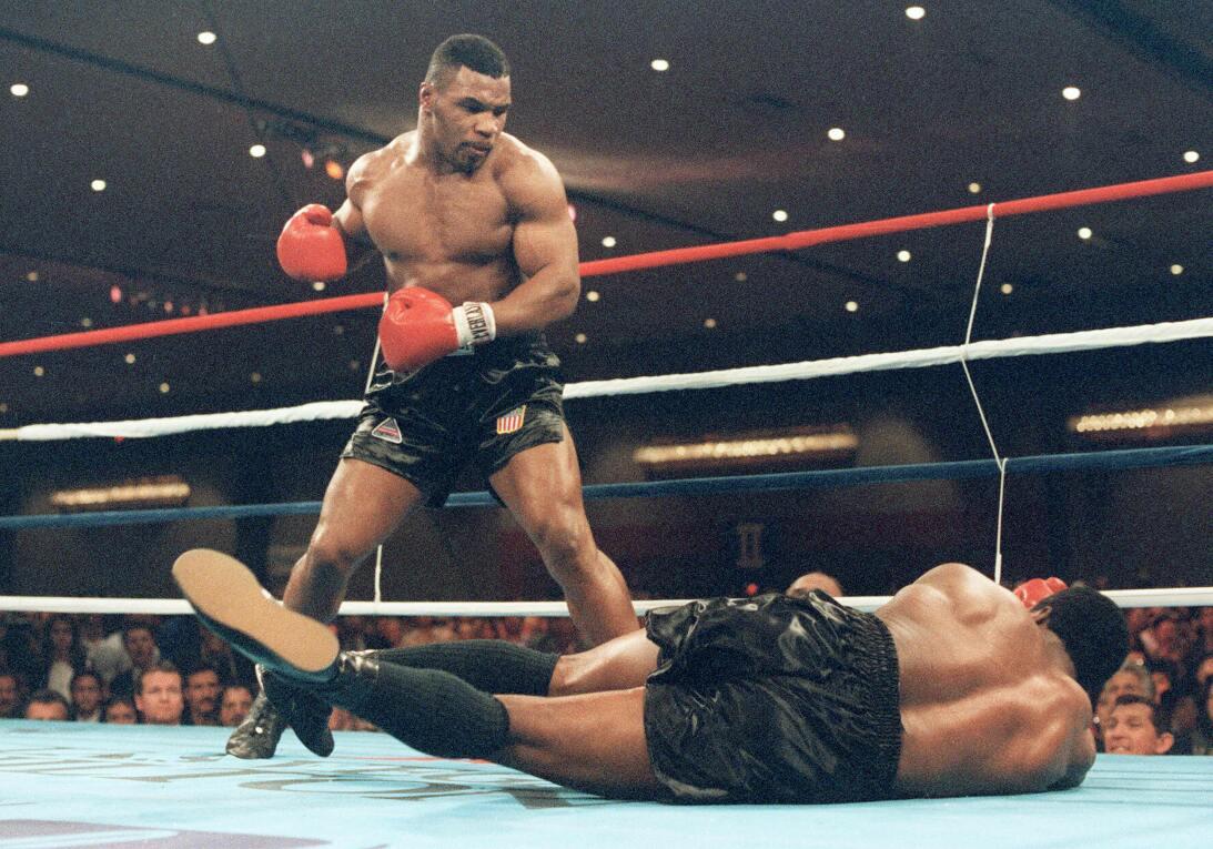 Las 20 estrellas del deporte que brillaron antes de sus 20 años Tyson a...