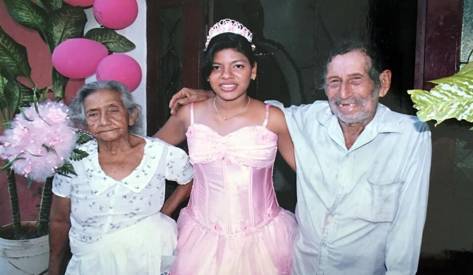 En esta foto aparece la primera esposa de Juan Pablo, Francisca Benítez,...