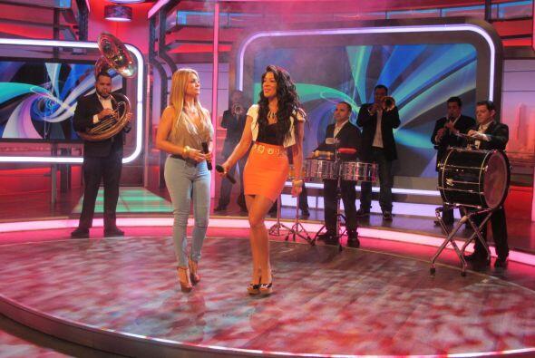 Marisol y Vicky deleitaron al público con su música.
