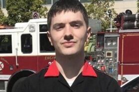 Michael Finney, de 21 años, ayudó a una de las víct...