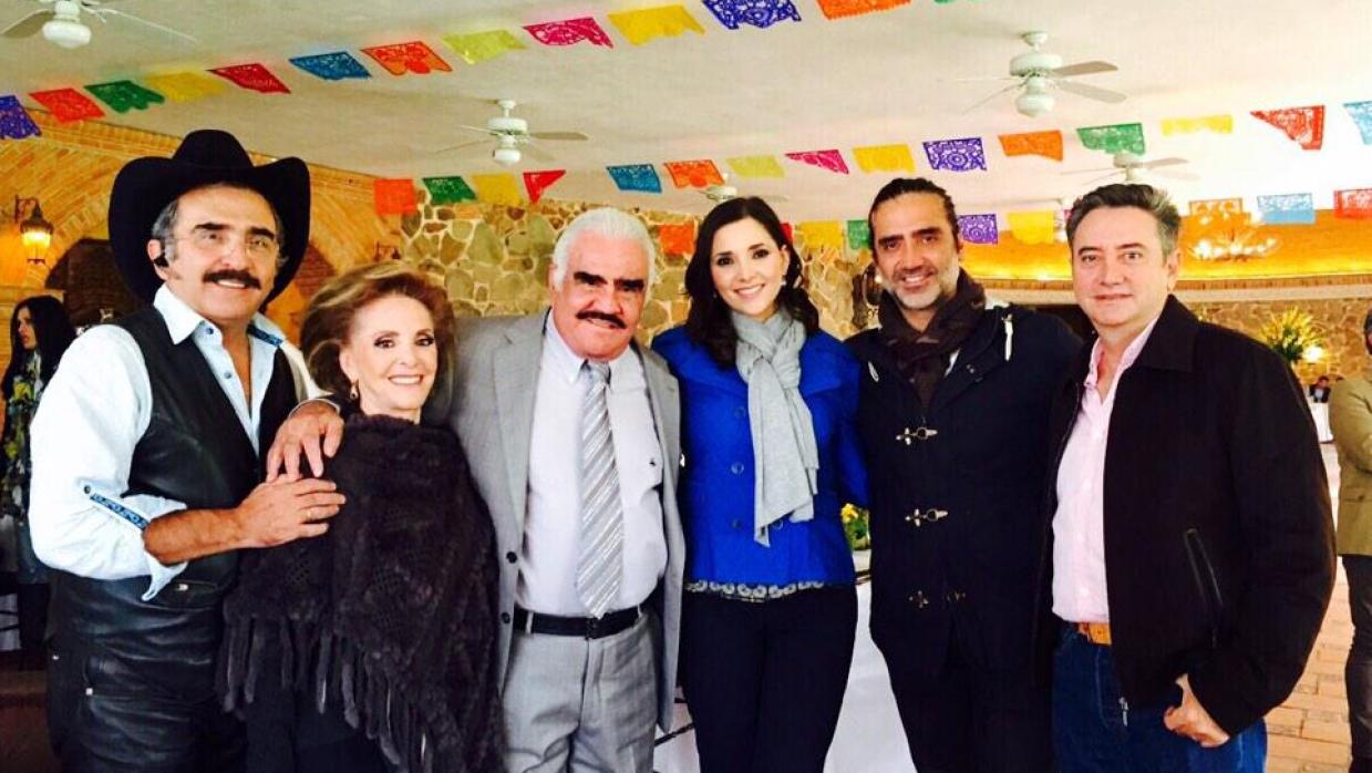 El Charro de Huentitán se dedica completamente a su familia.