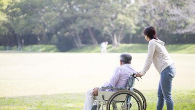 Cómo hacer que una ciudad o una comunidad sea amigable para las personas mayores