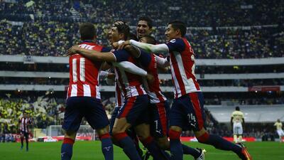 Chivas elimina al América en un clásico intenso y luchado en la Copa MX