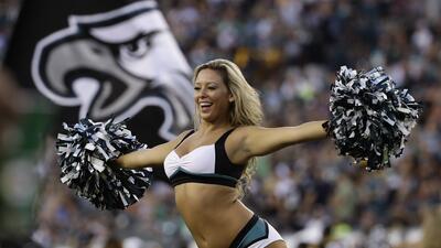 La NFL regresa a competencia con la energía de sus porristas en pretemporada