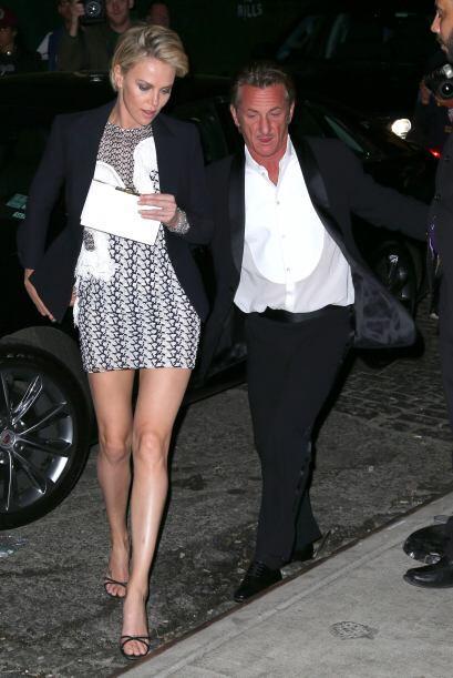 La modelo presumió sus piernas en unos tacones altos para el gust...
