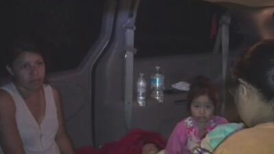 Una familia de 10 personas pasa las noches en una camioneta después del sismo en Xochimilco