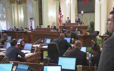Legisladores de California aprueban el presupuesto para el 2018