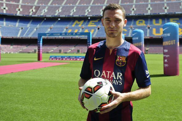 Para cubrir el espacio el Barcelona hizo el esfuerzo de contratar al def...