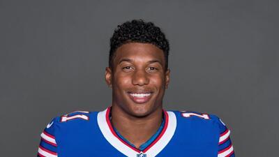 ¿Quién es Zay Jones, el jugador de NFL que trató de lanzarse desnudo desde un edificio?