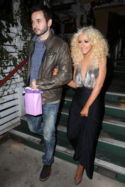 Christina Aguilera sigue presumiendo su esbelta silueta, en una cita con...