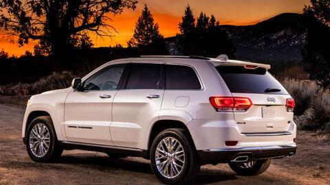 Para los que gustan del lujo y la aventura, la Jeep Grand Cherokee Summi...