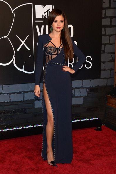 Selena Gomez fue otra celebridad que lució maravillosa en ese eve...