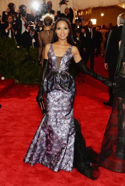 Kerry Washington apostó por un vestido de Vera Wang y aunque no fue uno...
