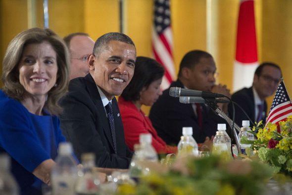 Obama y Kennedy en el banquete organizado en el Palacio Imperial en hono...