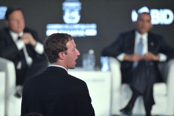 El fundador y CEO de Facebook, Mark Zuckerberg, también participó en est...