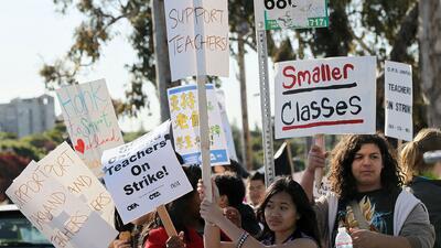 Estas son las peticiones de los maestros de Oakland para levantar la huelga