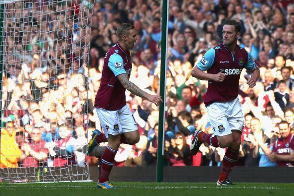 Ahora volvemos a la Liga Premier inglesa, con un jugador del West Ham, K...