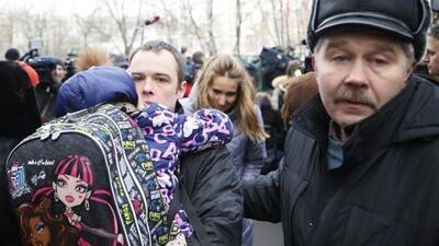 Tiroteo deja muertos en una escuela de Moscú