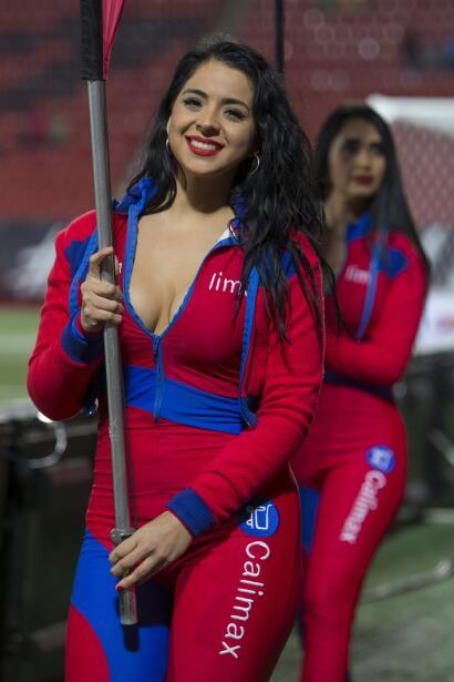 Los estadios de la Liga MX se engalanaron con lindos rostros que engalan...