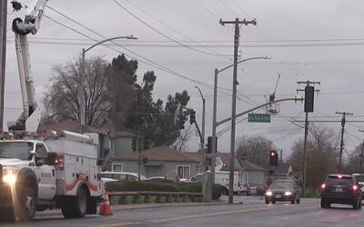 Miles de casas en Sacramento se quedaron sin electricidad por tormenta