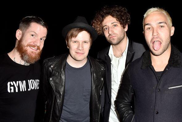 Fall Out Boy listos para celebrar.