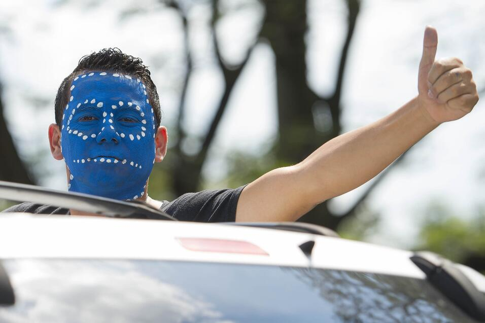La afición de Honduras se viste de azul