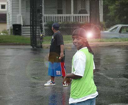 Origen humildeEl chico de Akron, Ohio, nacido en 1984, que fue tocado po...