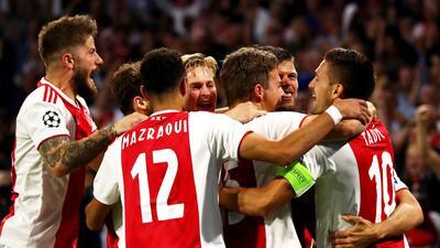 En fotos: Ajax renueva su leyenda de grandeza con gran triunfo contra AEK Atenas