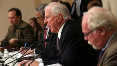 El legislador demócrata por California, Mike Thompson, divulgó un conjun...