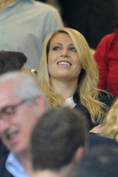 La hija de Berlusconi estuvo presente en el estadio.
